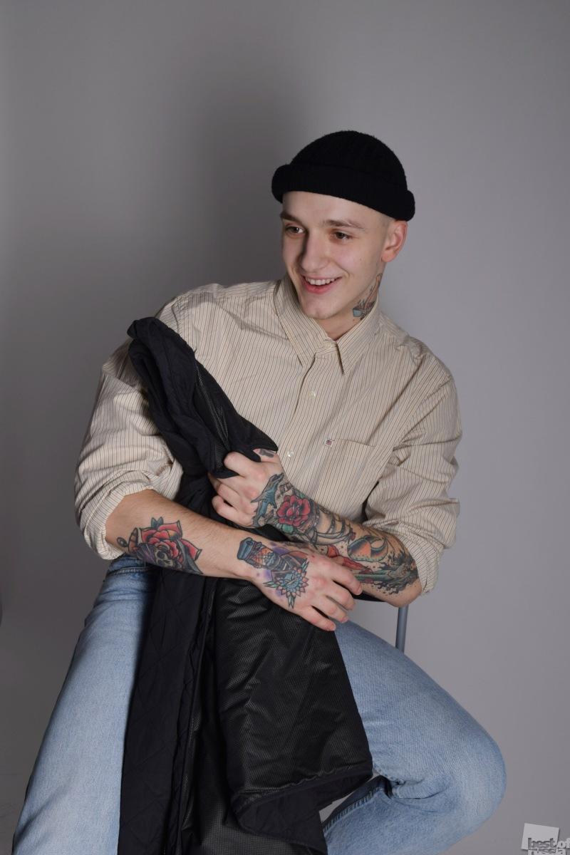 Татуированный парень
