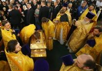 Встреча мощей святителя Николая Чудотворца в Александро-Невской Лавре в Санкт-Петербурге