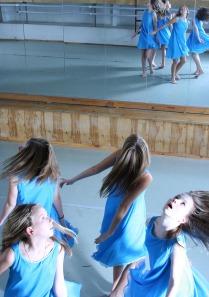 Девочки в голубом