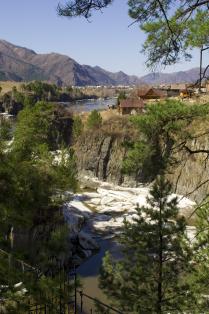река Катунь весной