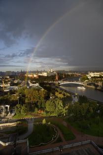 Радуга над Московским Кремлем