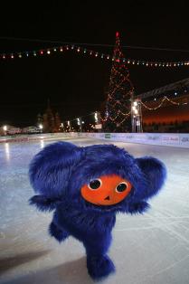 Синий Чебурашка на Красной площади