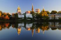 Новодевичий монастырь в октябре