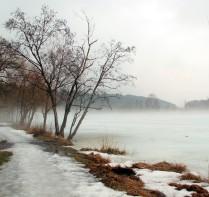 Апрель. Река. Туман.
