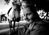 Девочка и лошадь