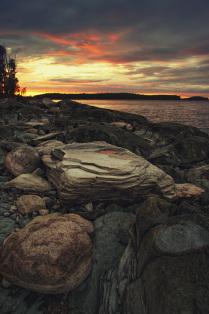 Каменный пляж