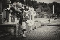 Продавщица воздушных шаров