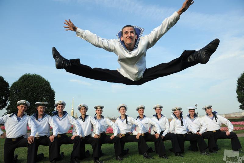 Военные танцоры