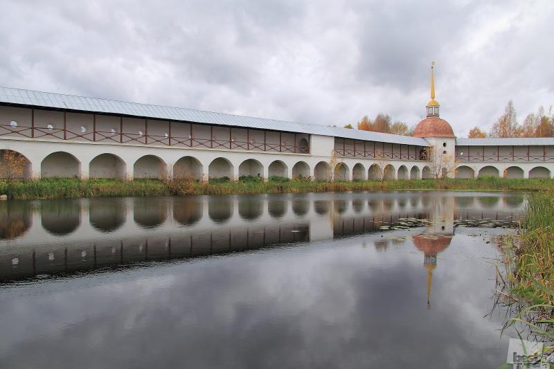 Монастырская аркада