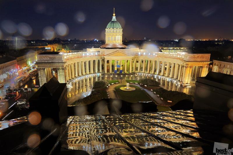 Казанский кафедральный собор в день своего двухсотлетия.