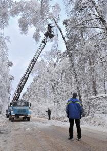 """Последствия снегопадов и """"ледяного дождя"""" в Подмосковье"""
