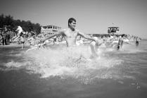Водные соревнования современной молодежи