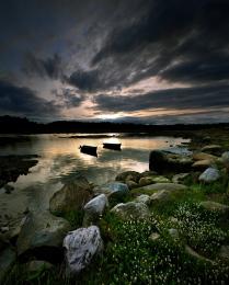 закат в рыбацкой деревне