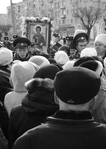 Перед иконой  святого Дмитрия
