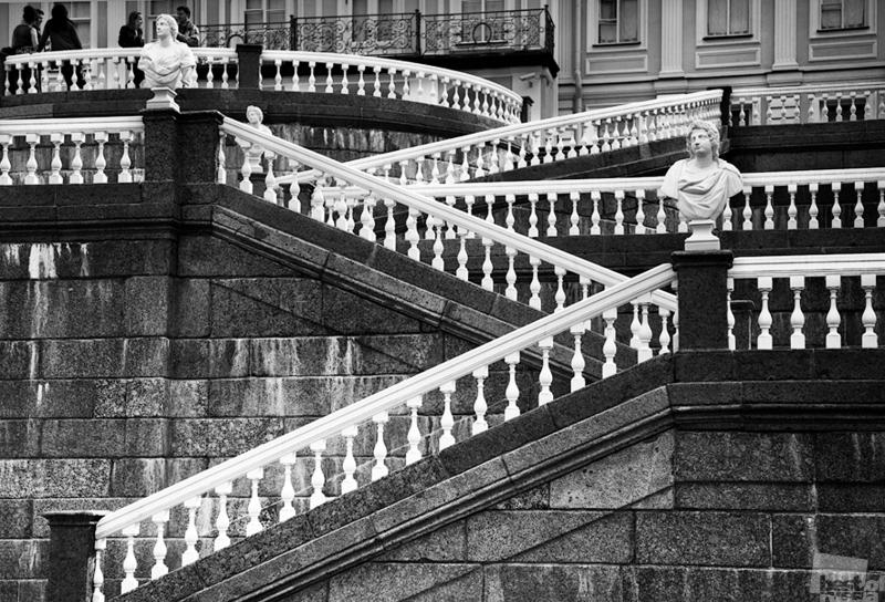 Переплёты дворцовой лестницы в Ораниенбауме