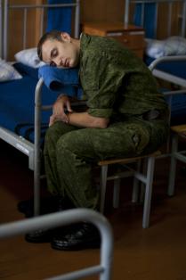 Солдат спит, а служба идет
