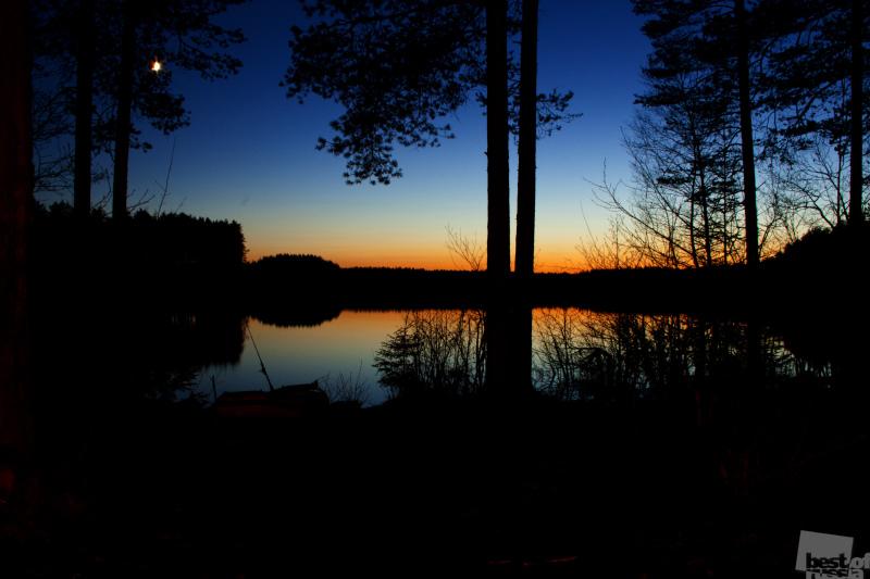ночное озеро
