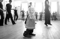 Я учусьтанцевать.