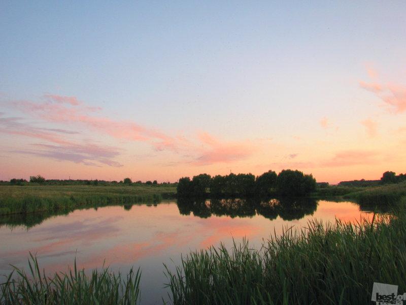 Закат на пруду.